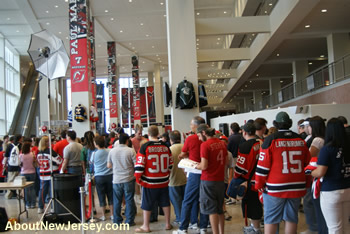 New Jersey Devils Fans waiting for Autograph Signings