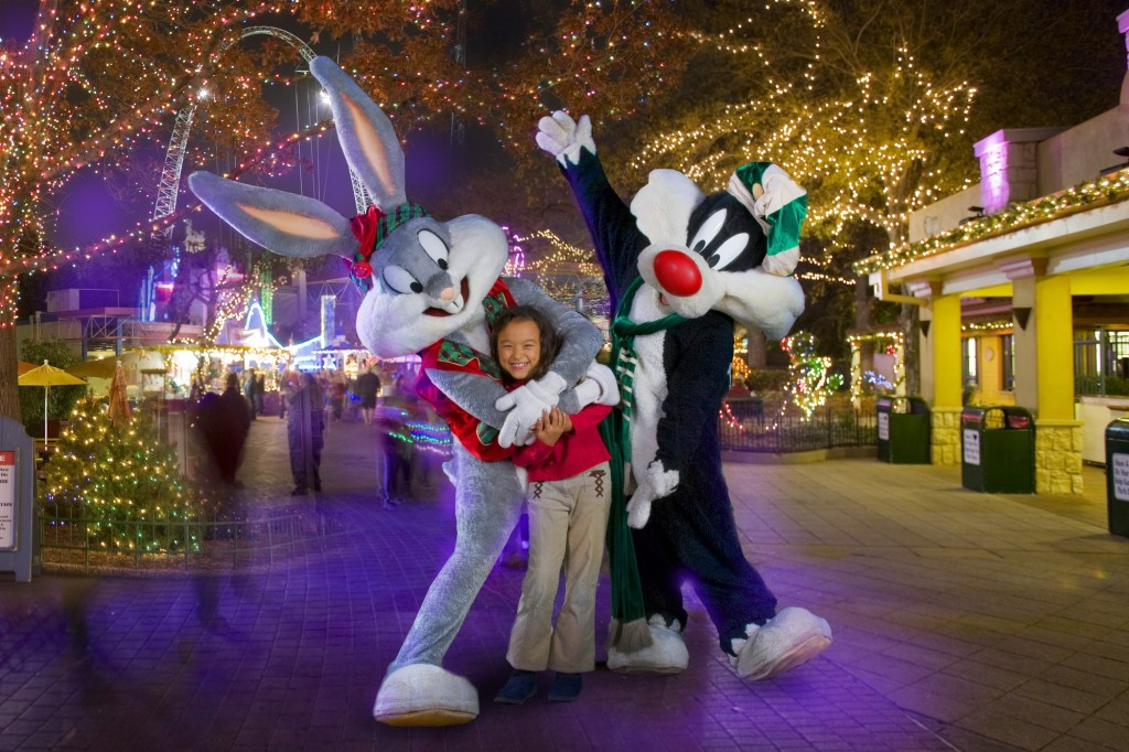PHOTO_ Looney Tunes at Holiday in the Park