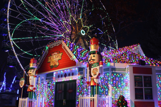 Holiday in the Park - Santa's House in North Pole