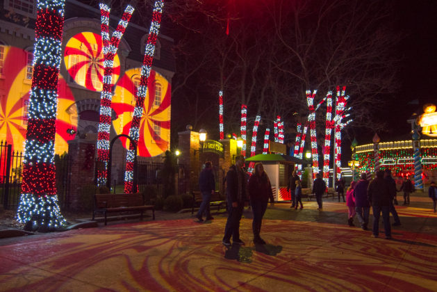 Holiday in the Park - Peppermint Path in Gingerbread Junction
